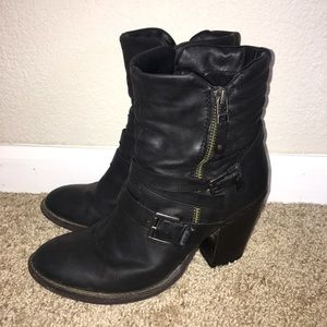 "Steve Madden ""Raleighh"" boots size 8 black"